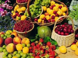 Выпечка, фрукты, горячие обеды